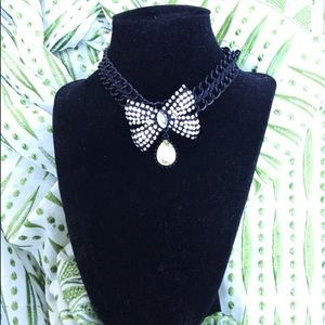 Betsy Johnson Rhinestone bow necklace choker